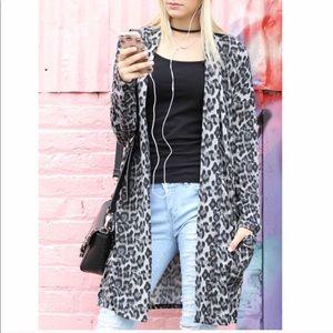 Sweaters - 5🌟1 M left! Cheetah print cardigan duster